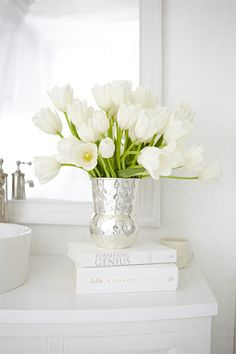 The Art of Display | Using books to elevate a centerpiece