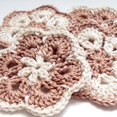 ArtInAll: Crochet African Flowers