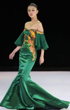 Tiger haute couture, luxury fashion China | Prestice Fashion  I'm actually liking the colour too, I normally hate green
