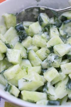 nu - This recipe for a refreshing cucumber salad works well as a side dish to the barbecue. Tapas, Scampi, Salad Works, Healthy Recepies, Side Dishes For Bbq, Good Food, Yummy Food, Dutch Recipes, Cucumber Salad