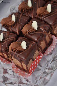 Romanian Desserts, Romanian Food, Baking Recipes, Cake Recipes, Fondant, Pastry Cake, Mini Desserts, Something Sweet, Confectionery