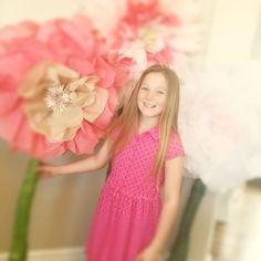 tissue paper flowers, diy, how to make giant tissue paper flowers, how to make giant bendable paper flower stems, 3 feet tall flower stems,