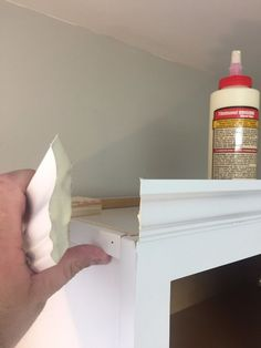Kitchen Cabinet Crown Molding - Make Them Fancy! This man made 1 change to the top of his kitchen cabinets—look at how amazing they look now! Top Of Cabinets, New Kitchen Cabinets, Painting Kitchen Cabinets, Diy Cabinets, Walnut Cabinets, Kitchen Counters, Countertops, Kitchen Cabinet Crown Molding, Cabinet Trim