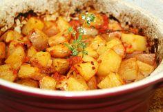Mediterrán paradicsomos burgonya Potato Recipes, Meat Recipes, Quiche Muffins, Hungarian Recipes, Chana Masala, Sweet Potato, Side Dishes, Food And Drink, Vegetarian
