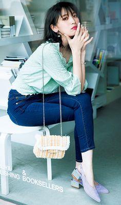 Fashion Capsule, Fashion Outfits, Womens Fashion, Cute Japanese Girl, Japanese Style, Japan Fashion, Office Outfits, Street Style Women, Autumn Winter Fashion