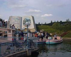 Fantasyland Canal Boat, Disneyland Paris