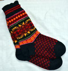 Norwegian knit socks Knit Mittens, Knit Socks, Knitting Socks, Hand Knitting, Norwegian Knitting, Scandinavian Folk Art, Cozy Socks, Stocking Tights, Fair Isle Knitting