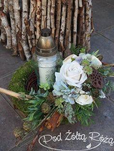 "Blog Kwiaciarni ""Pod Żółtą Różą"" » 2015 » Listopad Grave Decorations, Flower Decorations, Christmas Wreaths, Christmas Decorations, Garden Workshops, Memorial Flowers, All Souls Day, All Saints Day, Autumn Decorating"