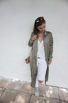 timeless design 1cd3d 336d0 Weiße Jeans mit outfit, Kimono und Adidas NMD  freizeitlook  sommer  khaki