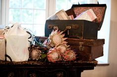 18 Ideas How To Reuse Old Suitcases In Home Decor