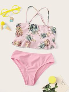 To find out about the Toddler Girls Pineapple Print Ruffle Hem Bikini Set at SHEIN, part of our latest Toddler Girl Swimwear ready to shop online today! Bathing Suits For Teens, Cute Bathing Suits, Cute Swimsuits, Cute Bikinis, Justice Swimsuits, Bikinis Lindos, Summer Outfits, Cute Outfits, Travel Clothes Women