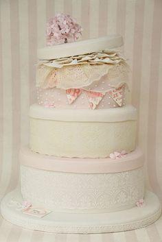 v Hochzeitstorte Vintage Hutschachteln shabby chic rosa by suess-und-salzig, via Flickr