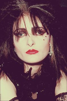 Siouxsie, 1982. I was only 2 but this girl was cute i like her makeup