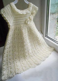 More Great Looks Like This - Crochet Baptism Dress pattern.Delicacies in crochet Gabriela: Girl DressBaptismal set of Glamour (lots of pics) - It's in Russian, I think, but there are charts!Try to decipher chartFree pattern of sorts. 3 photos make u Baby Girl Crochet, Crochet Baby Clothes, Crochet Dress Girl, Crochet Toddler Dress, Baby Dress Patterns, Crochet Patterns, Knitting Patterns, Girls White Dress, Baptism Dress