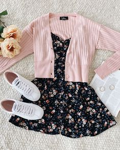 Girls Fashion Clothes, Teen Fashion Outfits, Retro Outfits, Girly Outfits, Cute Casual Outfits, Outfits For Teens, Look Fashion, Stylish Outfits, Trendy Summer Outfits
