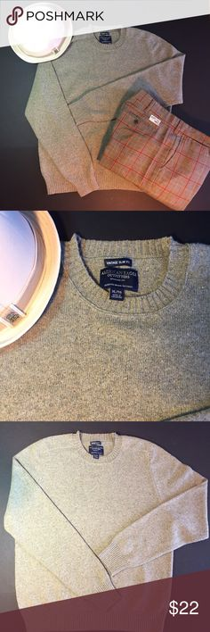 American Eagle Vintage Slim Fit Sweater Get this good-to-go holiday look, vintage slim fit oatmeal sweater. This American Eagle sweater is in excellent shape and looks gray matched with these vintage plaid pants and Tommy fedora (each piece sold separately). Bundle all three for a good deal. 79% cotton, 20% wool and 10% nylon which gives it the fit. No pulls, pills, snags, seams or stains. And BTW, I won't just throw it in a box and ship it when I feel like it. Check my shipping, usually…