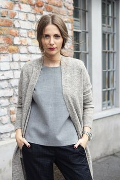 Boyish pants, minimalist grey top, oversized beige cardigan // Work Wear / Elle Serbia / October 2