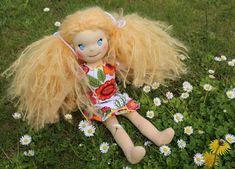 Ručně šitá panenka zahradnice, ekopanenky Dolls, Christmas Ornaments, Holiday Decor, Blog, Home Decor, Baby Dolls, Decoration Home, Room Decor, Puppet