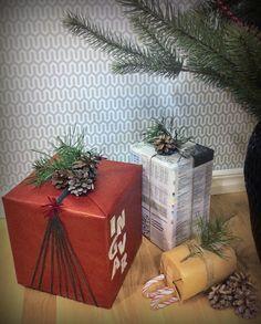 Släpp loss kreativiteten och använd dig av kottar, grenar, snören och annat som du har hemma eller hittar i naturen för att packa in de allra finaste julklapparna under granen.