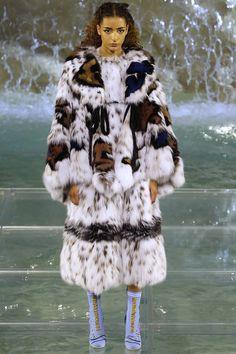 Fendi Fall 2016 Couture Fashion - Julie Hoomans