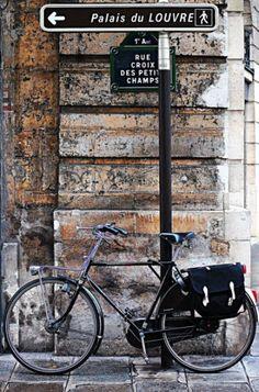 Le vélo de la rue Croix-des-Petits-Champs  (Paris 1er)