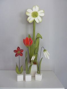 Deko-Objekte - kleine Sockelblumen , 3Stck. - ein Designerstück von Woodlouse bei DaWanda