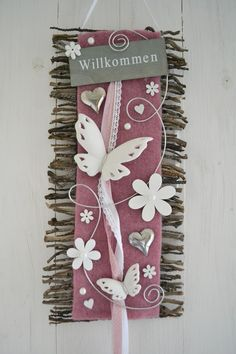 Beautiful vine mat in pink-natural-white decorated with felt ribbon, . Beautiful vine mat in pink-natural-white decorated with felt ribbon, ceramic butterflies, wo Easter Tree Decorations, Handmade Decorations, Balloon Decorations, Wood Crafts, Diy And Crafts, Paper Crafts, Pink Nature, Wooden Flowers, Welcome Gifts
