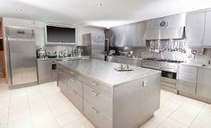New kitchen design modern industrial stainless steel 37 Ideas Interior Design Kitchen, Metal Kitchen Cabinets, Kitchen Cabinets For Sale, Kitchen Room, Trendy Kitchen, Modern Kitchen Design, Best Kitchen Designs, Modern Cupboard, Kitchen Layout