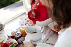 Eine Kanne voller Genuss. #emsagmbh #emsa #kaffeekanne #isolierkanne #samba #frühstück #breakfast #rot #kaffee #coffee