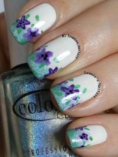 Freehand Flowers - #freehandchallenge - Leonie's Nailart - IG leonies_nailart