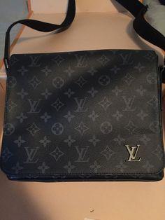 c61a6b83a1 Authentic Louis Vuitton Messenger bag for sale.