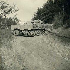 German 88mm FlaK 37 (Sf) auf Fgst. s.Zugkraftwagen 18t (Sd.Kfz. 9) half track. awesome