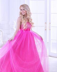 Модель и визажист- @nicagloss  @nicagloss_studio Фотограф @viky_arger  Стилист по волосам @arktos.arktos  Плятье - Petit Biscuit - @alexandra__andreevna #mua #muah #photooftheday #визажист #стилист #визажистмосква #стилистмосква #beutiful #beuty #pink #pinkdress #instamakeup #makeupartist #makeup #makeportraits #portrait #hairstyle #фотосессия #розовоеплятье #model #look #pinklook #макияж #причесеа #локоны by nicagloss_studio