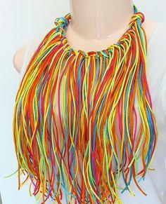 Listo para entregar Collar carnavalero  #hechoamano  #barranquilla  #accesorioscarnaval #collarcolores
