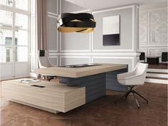 18 exklusiv einzigartige Chefzimmer Einrichtung, JERA Schreibtisch mit Servicecontainer mit Kabelmanagement, passende Bürosessel und Stühle zur Möbelserie, Farbe Ulme, Tischfuß Leder grau