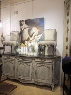 French Buffet de Enfilade'