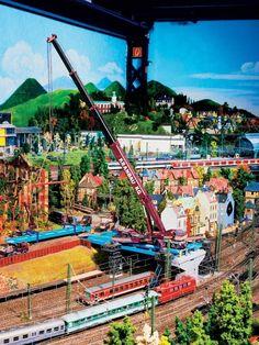 Ho Model Trains, Ho Trains, Standard Gauge, Model Train Layouts, Train Set, Vintage Models, Scenery, Scale, Outdoor