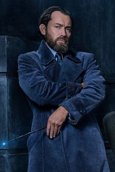 Jude Law as Albus Silente - Patto di Sangue by Chiara Maggi Harry Potter Words, Harry Potter Cast, Harry Potter Universal, Gellert Grindelwald, Crimes Of Grindelwald, Fantastic Beasts Movie, David Yates, Tina Goldstein, Supernatural