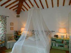Splendid canopy  double bed