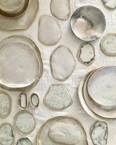 Latest Free of Charge japanese Ceramics wabi sabi Ideas Read our list of decor and styling elements to style a wabi sabi inspired wedding. Ceramic Tableware, Ceramic Pottery, Pottery Art, Ceramic Art, Wabi Sabi, Keramik Design, Ceramic Studio, Organic Form, Japanese Ceramics