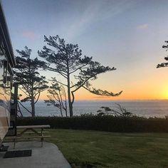 Newport #oregon shot by @wanderingwes. 📍 #rvlife #rvgems #gorving #homeiswhereyouparkit #rvliving #motorhome #glamping #wanderlust #fulltimerv #travel #outdoors #nature #travelusa #wandering #wander #nomad #boondocking #roadtrip #gypsy #rvlifestyle #rving