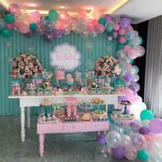 No photo description available. Candy Theme Birthday Party, Mermaid Theme Birthday, 1st Birthday Parties, Birthday Party Decorations, Baby Shower Decorations, Shower Party, Baby Shower Parties, Deco Ballon, Mermaid Baby Showers