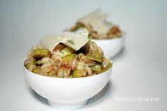Insalata di farro e orzo con zucchine grigliate e scaglie di parmigiano, leggera e ottima sia come antipasto che come contorno.