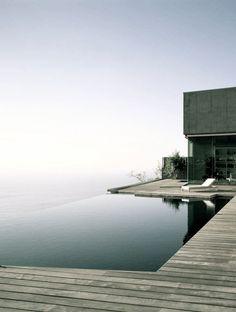Maison en bois - Stone & Living - Immobilier de prestige - Résidentiel & Investissement // Stone & Living - Prestige estate agency - Residential & Investment http://www.stoneandliving.com