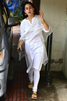 396ee05b1b What Kareena Kapoor Khan and Sara Ali Khan wore on