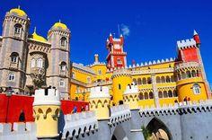 Comparateur de voyages http://www.hotels-live.com : Comme un air de Legoland Le Palais de Pena à Sintra. L'un des monuments les plus visités du Portugal. Murailles jaune canari tours rouge écarlate minarets dômes mauresques et donjon un cocktail architectural extravagant. Photo de Lionel Taieb #leroutard #routard #portugal #sintra Hotels-live.com via https://www.instagram.com/p/BBp7yKuHd2g/ #Flickr via Hotels-live.com…