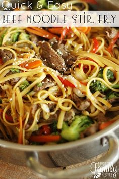 This Quick & Easy Beef Noodle Stir Fry can be made in just 20 minutes! Tender beef, fresh veggies, and noodles tossed together in a delicious savory sauce. This beef noodle stir fry can be made in und Stir Fry Recipes, Beef Recipes, Cooking Recipes, Healthy Recipes, Leftover Steak Recipes, Chicken Recipes, Cooking Beef, Cooking Fish, Parmesan Recipes