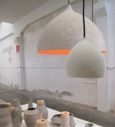 ett la benn, Kami pots and lights at the exhibition Poetry Happens Ventura Lambrate, Milan in April 2011 Concrete Projects, Concrete Design, Paper Clay, Paper Art, Paper Lamps, Eco Deco, Edison Lampe, Diy Luminaire, Diy Projects To Try