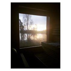 Aamu alkaa saunasta ja mikä ihana aurinko 💛 #perfect #novembersun #långvik #langvikhotel http://www.langvik.fi/