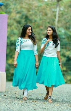 Ideas Dress For Kids Bridesmaid For 2019 Indian Designer Outfits, Designer Dresses, Designer Wear, Stylish Dresses, Fashion Dresses, Long Gown Dress, Frock Dress, Demin Dress, Long Frock